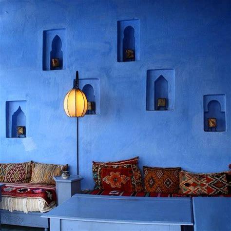 ways  bring moroccan flavor   interiors digsdigs