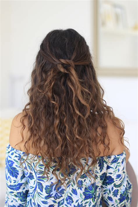 5 easy quick hairstyles for naturally curly hair with instructions indoindians