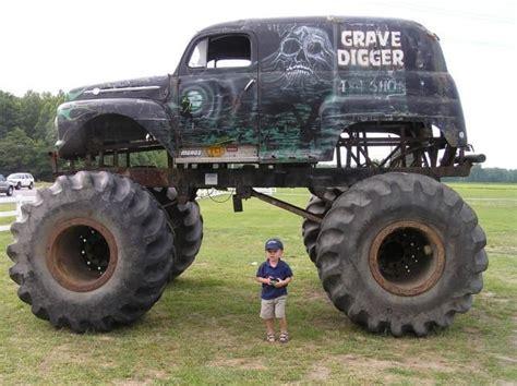 grave digger  fav monster truck ad monster trucks