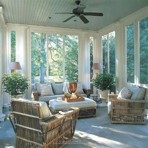 Screened In Front Porch Decorating Ideas by Best 25 Screened Porches Ideas On Screened