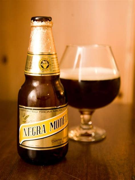 modelo negra negra modelo caramel y don t be fooled by the dark color being a mexican beer it s got a