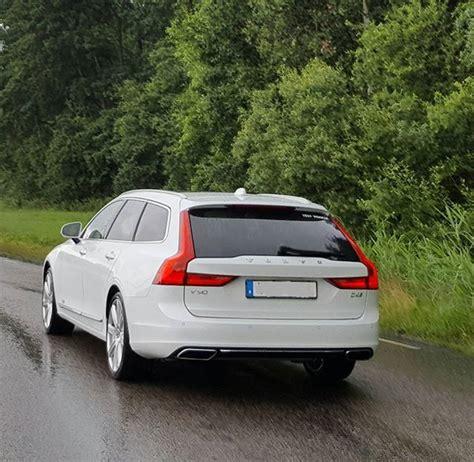 volvo   test vehicle  stunning  white