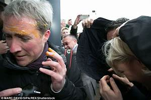 Marine Le Pen hit with eggs arriving at campaign stop ...