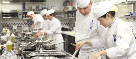 what is a chef de cuisine meet cuisine chef colin westal le cordon bleu