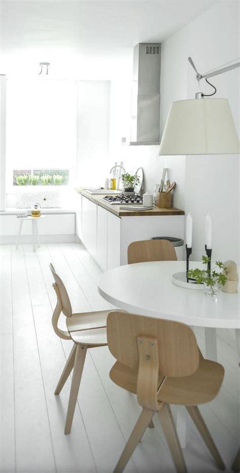 table blanche de cuisine la cuisine blanche et bois en 102 photos inspirantes