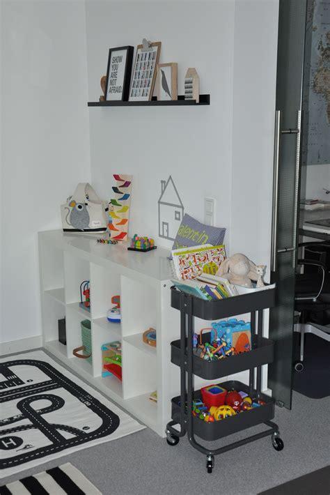 Kinderzimmer Junge Spielecke by Statt Kinderzimmer Spielecke Im Wohnzimmer Spielecke In