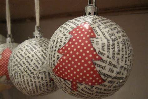 Noël toi même J 23: faire une boule en papier journal
