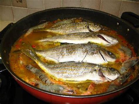 cuisiner un poisson un riz aux poissons de méditerranée
