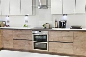 cuisine ilot central table manger 7 petite cuisine With idee deco cuisine avec table bois brut