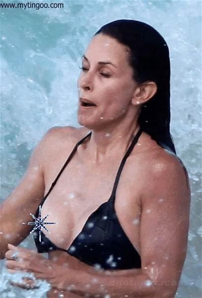Cox Courteney Bikini Bikinis Actress Slip Nipple