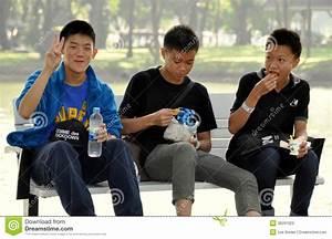 Teen bangkok city thumbs thai