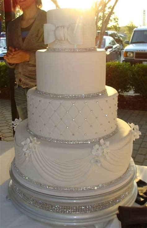 25 Best Ideas About Silver Wedding Cakes On Pinterest