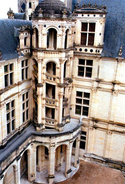 l escalier du chateau de chambord photographie d un escalier ext 233 rieur du ch 226 teau de chambord