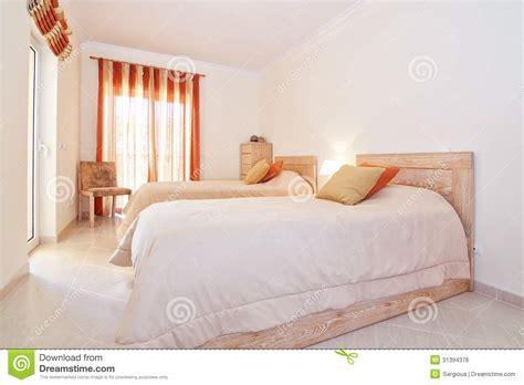couleur chaude pour une chambre chambre couleurs chaudes une chambre de fille aux