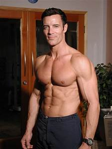 6 Ridiculously Fit Men Over 50 - Al Borde