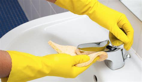badkamer schoonmaken tips 7 geniale schoonmaak tips voor de badkamer damespraatjes