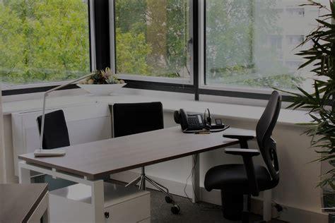 bureau de domiciliation dom work salles de réunions bureaux équipés