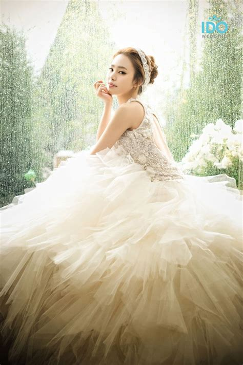 17 Best Ideas About Korean Wedding Dresses On Pinterest