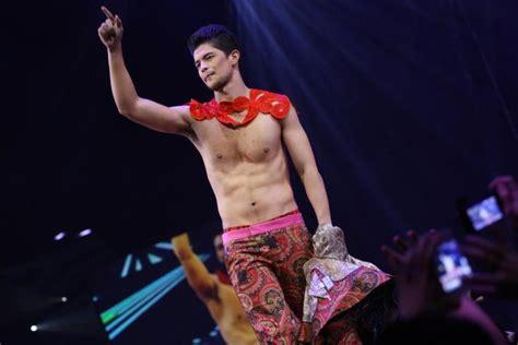 Bench Universe 2012 Denim And Underwear Show Hello