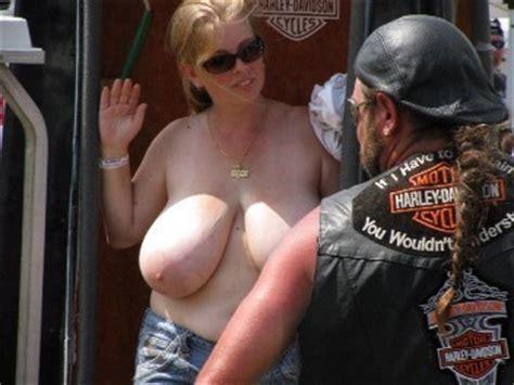 rally biker flashing at tits