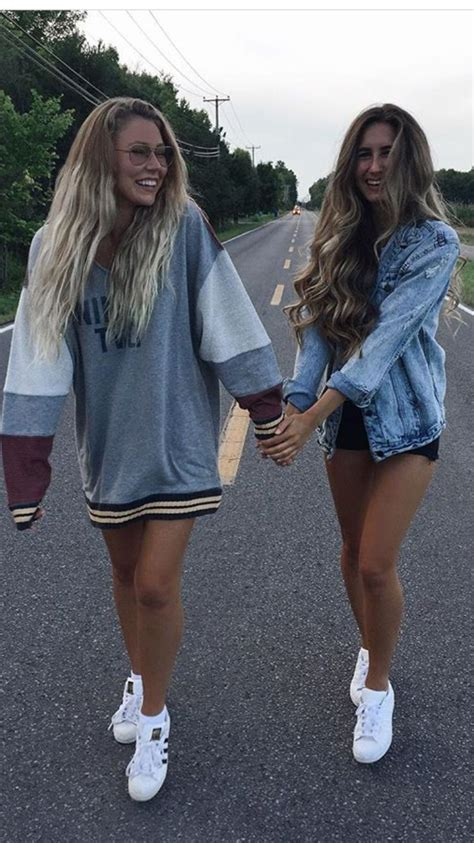 pin  abby rayder  friend picture ideas  friend