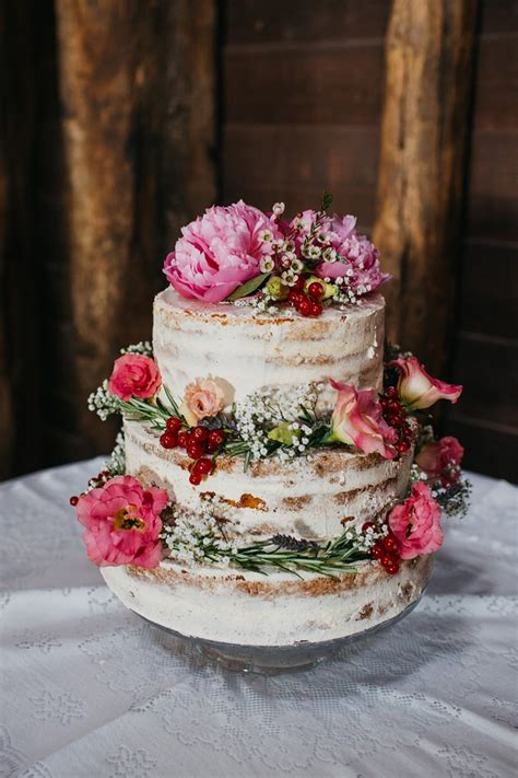 pretty wedding cakes  peony floral decorations