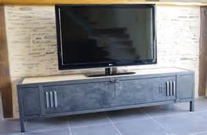 meuble tv industriel bois acier avec ancienne porte de