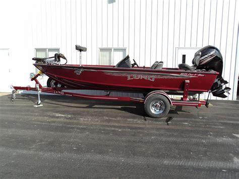 Bass Pro Lund Boats by Lund 1875 Pro V Bass Center Console Boats For Sale Boats