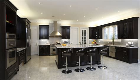 52 kitchens with wood or black kitchen cabinets 555 iStock 000014805595 Medium