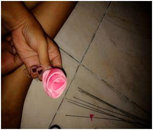 membuat rangkaian bunga hand bouquet kain perca
