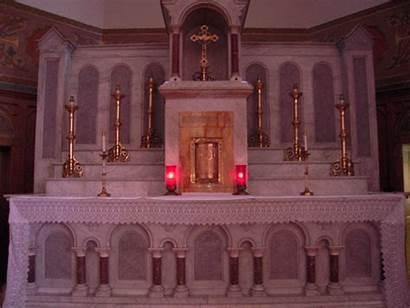 Jesus Cristo Emmaus Road Church Altar Bergoglio