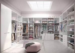 Begehbarer Kleiderschrank Mit Schminktisch : designerska garderoba na ka d kiesze modny ~ Markanthonyermac.com Haus und Dekorationen