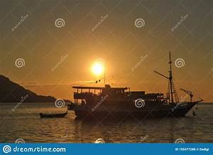 silhouette, of, beautiful, sunset, with, fishing, boat