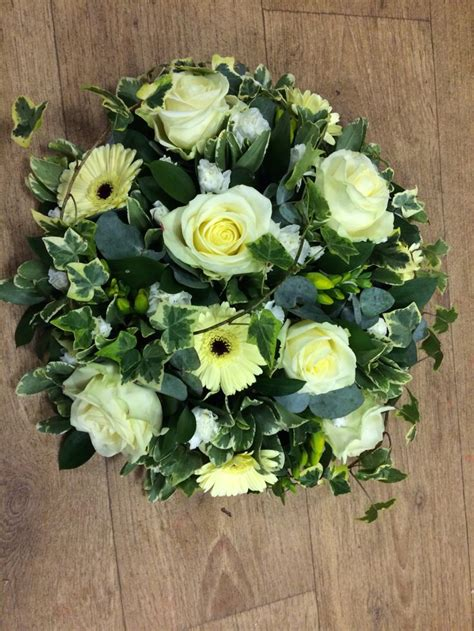 simple  classy posy pad floral flowers funeral