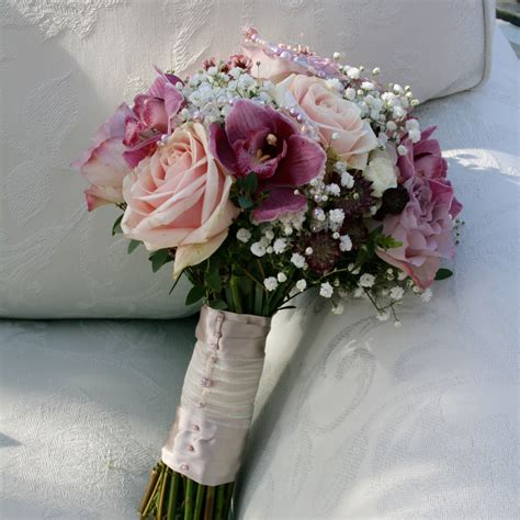 dusky pink wedding flowers white cloud