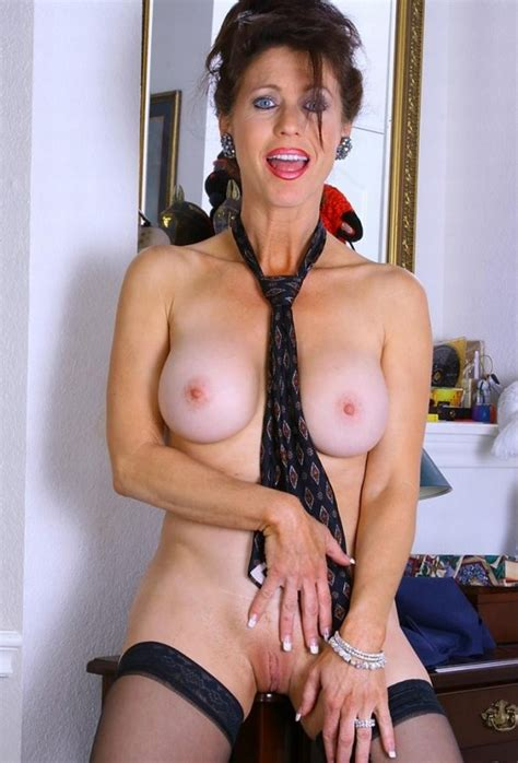 Naked mature body and old but juicy boobs. Full-size ...