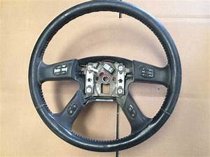 07 Gmc Sierra Steering Wheel With Radio Controls As Shown