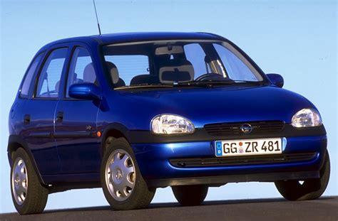 opel corsa  swing manual    hp  doors