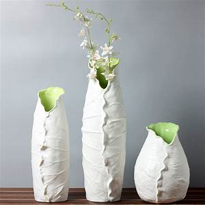 Simple Ceramic Vase www imgkid com - The Image Kid Has It!
