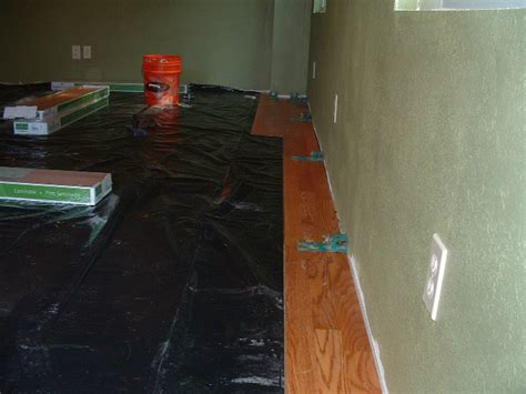 lowes flooring moisture barrier laminate flooring vapor barrier pad heights unroll solidwalk lt over subfloor with vapor