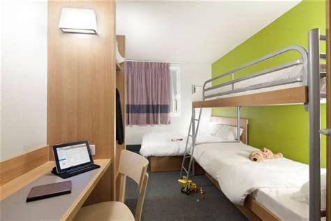 chambre bb hotel hôtel pour familles découvrez nos chambres 4 personnes à