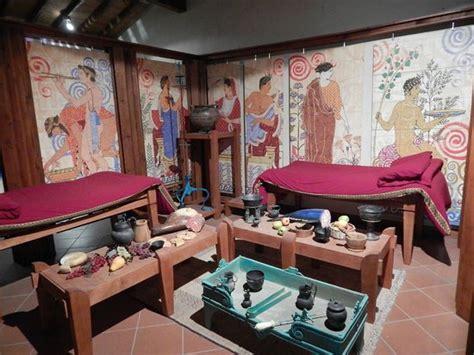 banchetto etrusco ricostruzione della sala banchetto etrusco con i