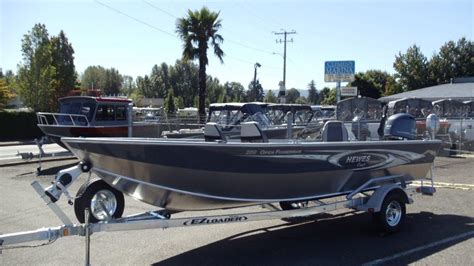 Boat Trailer Chine Load Guides by Hewescraft Open Fisherman Boats For Sale