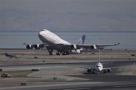 United Flies Its Final Boeing 747 Jet Time