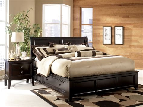 Elegant Full Size Platform Bed With Drawers