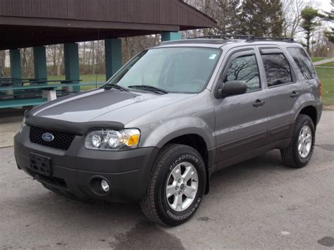 ford escape xlt wd  north tonawanda  york