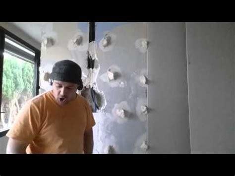 renover un mur en platre tres abimé plaquer un mur en ba13 sans rail lorsque l on veut r 233 nover