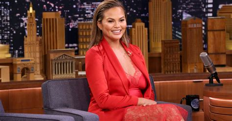 chrissy teigen politely explains  tweet  mirai