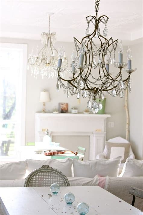 Shabby Chic Dining Room Lighting by 5 Chandeliers For 5 Different Styles