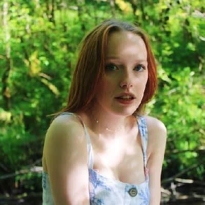 Amybeth Mcnulty - Bio, Age, Net Worth, Height, Single ...